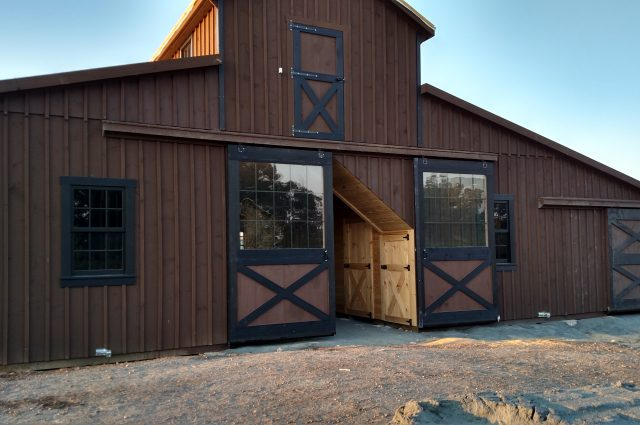 Monitor Barn with Lean-To