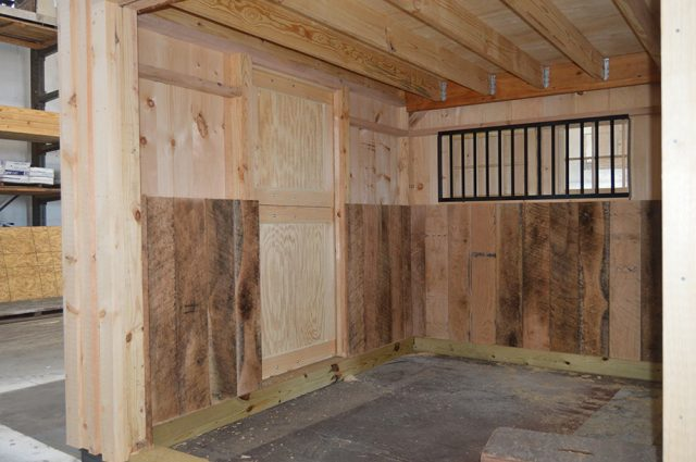 custom barns and sheds