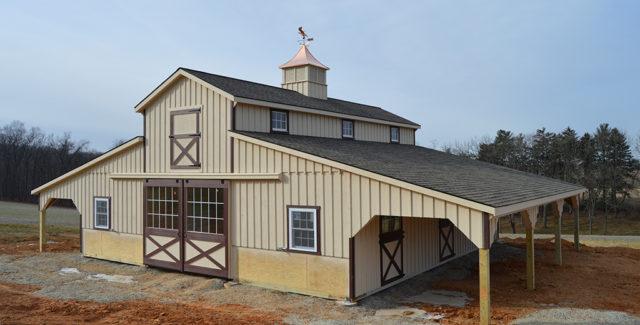Advantages of Wooden Horse Barns