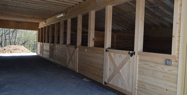 How to Hire the Perfect Barn Builders For Your Next Project