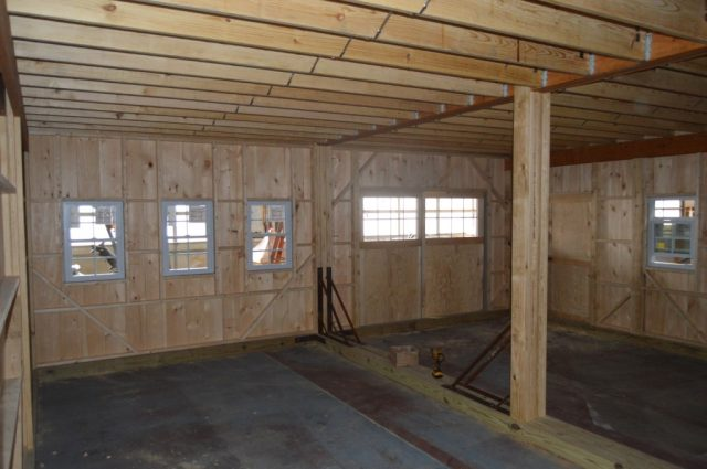 24'x26' double-wide garage with loft and 9' high walls Perkasie, PA