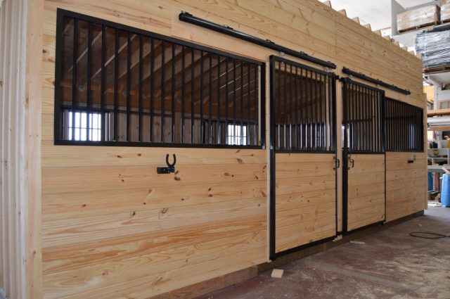 modular barn stall