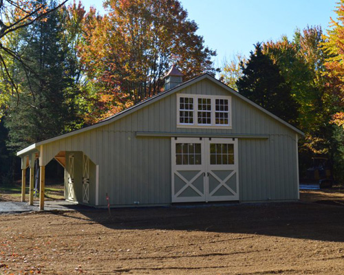 VA horse barn in fall