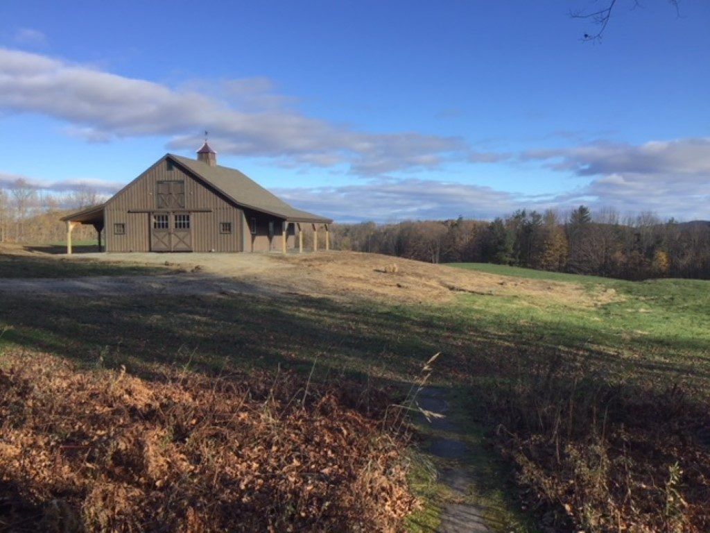Amish Modular Horse Barn Builder in Hartland, Vermont | J&N Structures