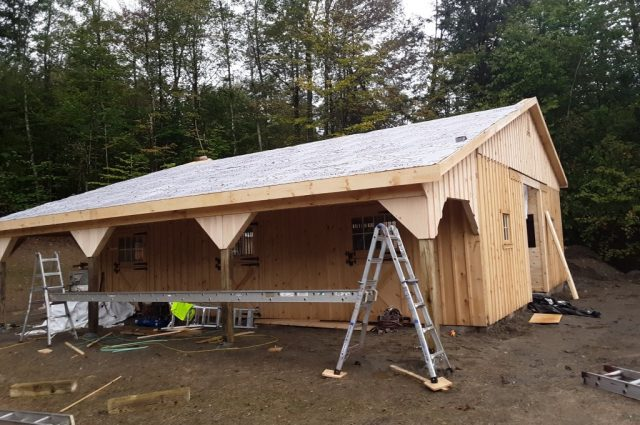 Stowe, Vermont modular barn with lean-to