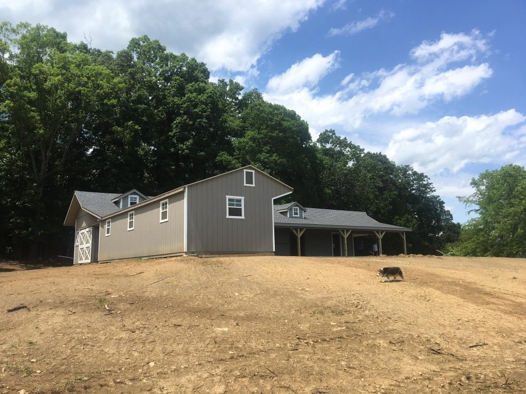 L-Shaped barn built in Virginia