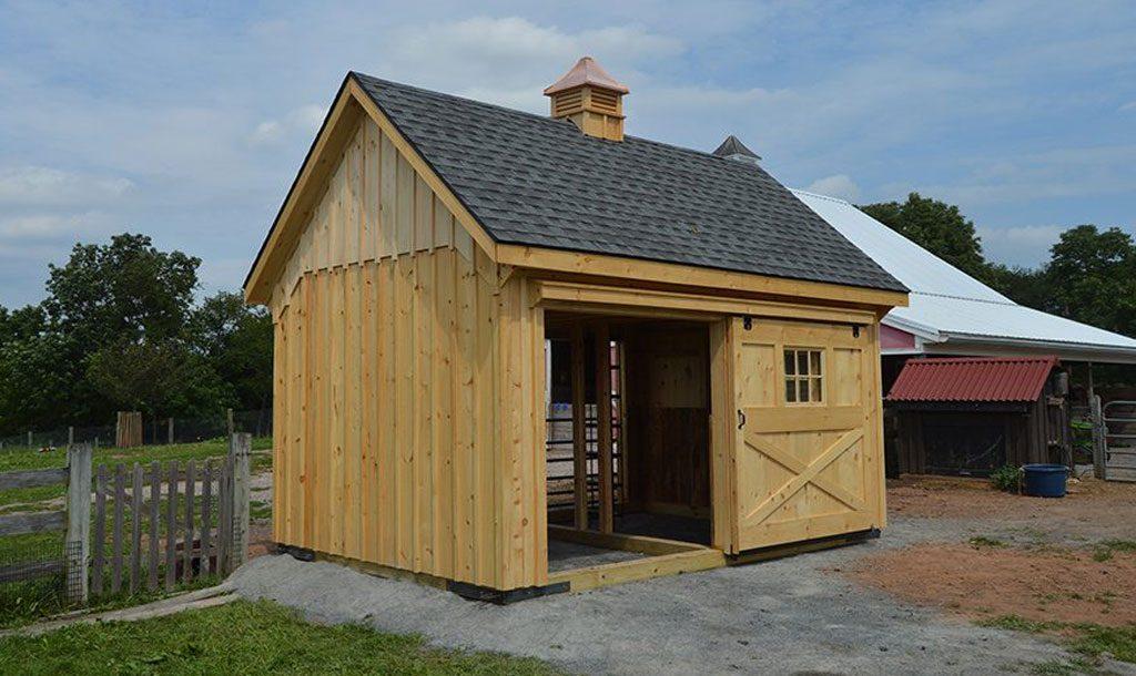 Small custom horse barn style