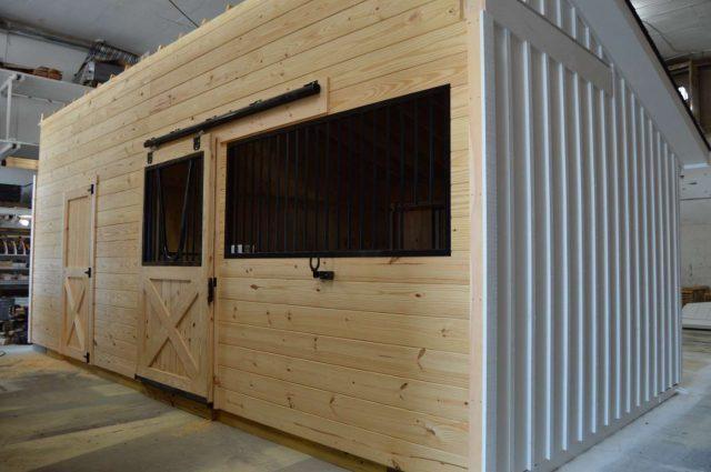 amish modular horse barn in Cochranville pa