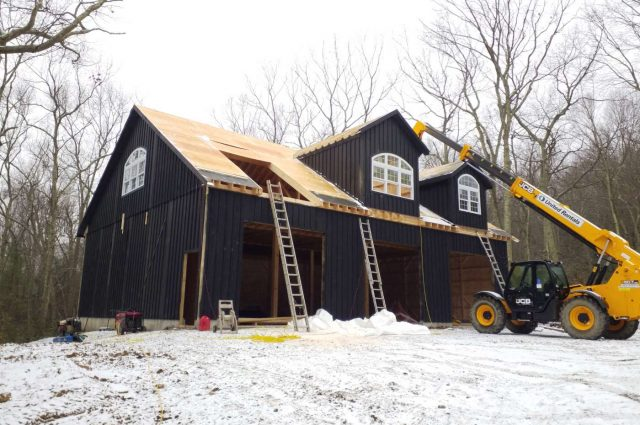 Woodbury, Connecticut custom garage builders building shingle roof