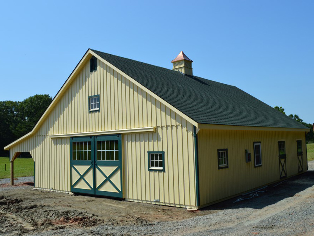 Custom barn in Scottsville, VA