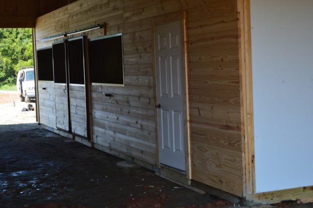Lean-To Horse Barn in Scottsville, VA