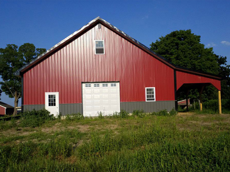 Large garage barn style with lean-to overhang
