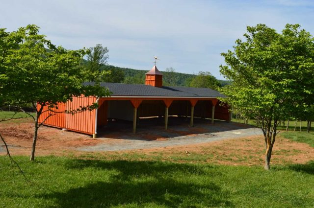 Run-in Shed – Round Hill, VA