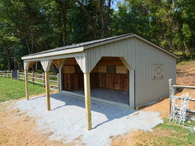 Run-in-shed for horses or livestock