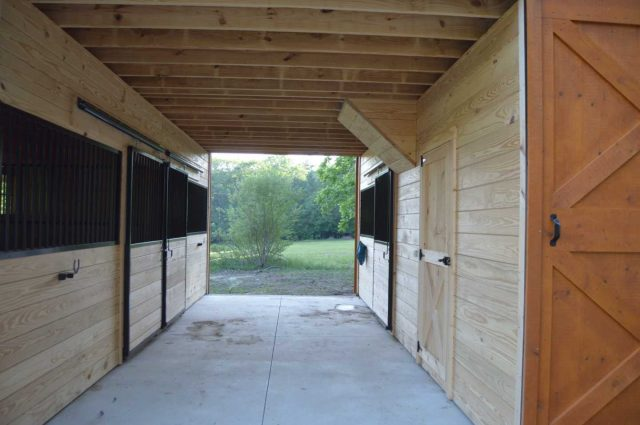 stalls with windows