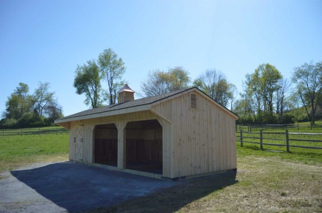 quaker style shed row barn