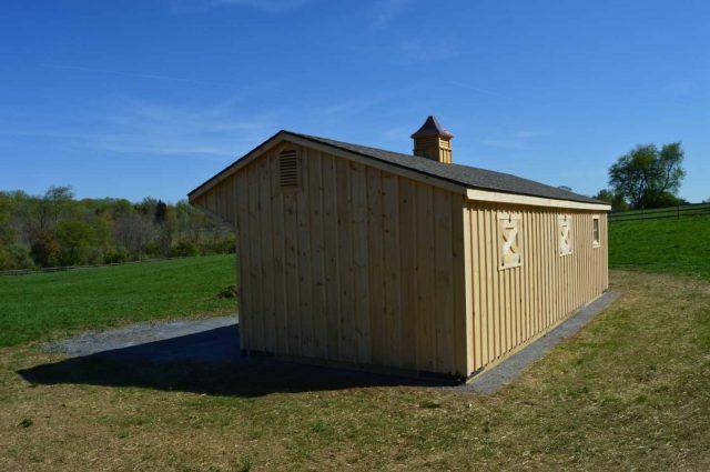 barn with 4 foot overhang