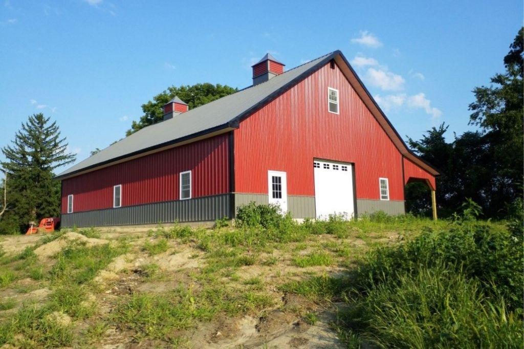 Commercial standalone garage for workshop